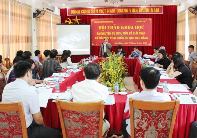 Hội thảo Khoa học về Tài nguyên du lịch, một số giải pháp và mô hình phát triển du lịch Cao Bằng