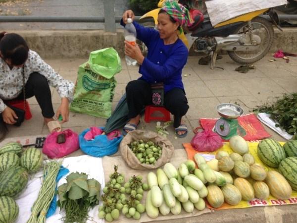 Mác cai rừng được bày bán tại chợ phiên thị trấn Bảo Lạc.