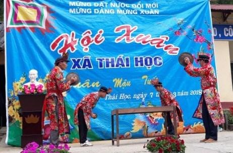 Nghi lễ trong Ngày hội Kiêng gió (20 tháng Giêng) được biểu diễn tại Hội xuân ở xã Thái Học (Nguyên Bình). Ảnh:Nguyễn Thuấn