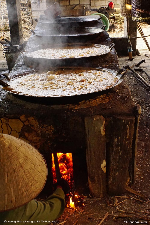 Nấu đường phên thủ công (Phạm Khoa)